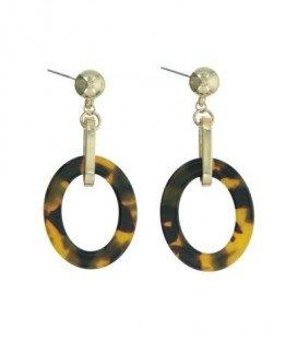 Mooie oorbellen met goudkleurige ovale hanger en schildpad kleurige hanger