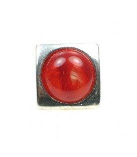 Vierkante oorclip met rode acrylaat kraal