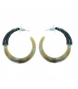 Licht bruine oorbellen