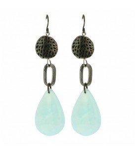 Mooie oorbellen met puimsteen kraal en turquoise hanger