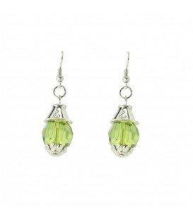 Licht groene oorbellen