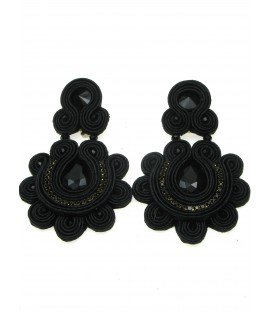mooie soutache statement oorclips in zwart met zwarte strass steen