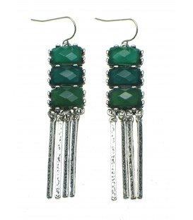 leuke oorbellen met 3 groene stenen en zilverkleurige staafjes