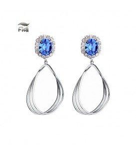 zilverkleurige oorbellen met blauwe schitterende steen en gedraaide hanger