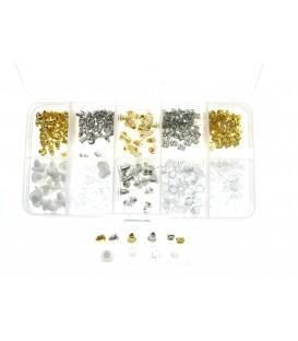 handige box met een assortiment aan stoppertjes geschikt voor verschillende soorten oorbellen,stekers en oorhangers.