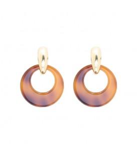 bruin gevlekte oorbellen met een goudkleurig oorstukje