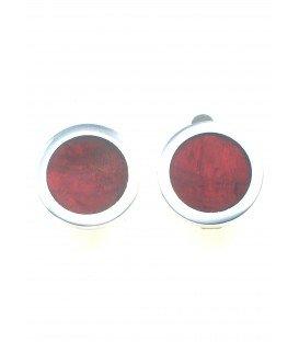 donker rode oorclips met een zilverkleurige rand van culture mix