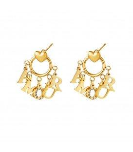 goudkleurige oorbellen met als hanger de letters amour